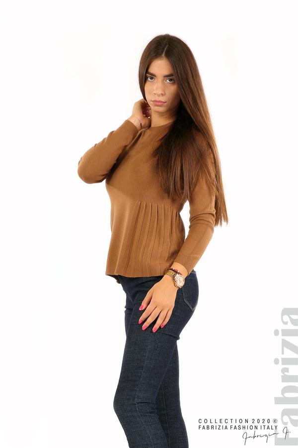 Блуза със странично плисе кафяв 2 fabrizia