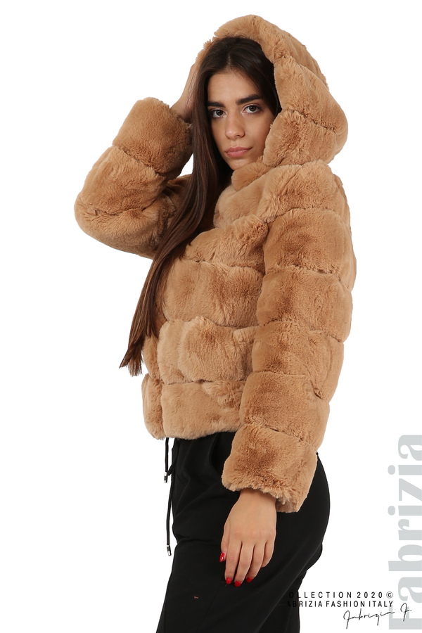 Късо палто от пух с качулка камел 2 fabrizia