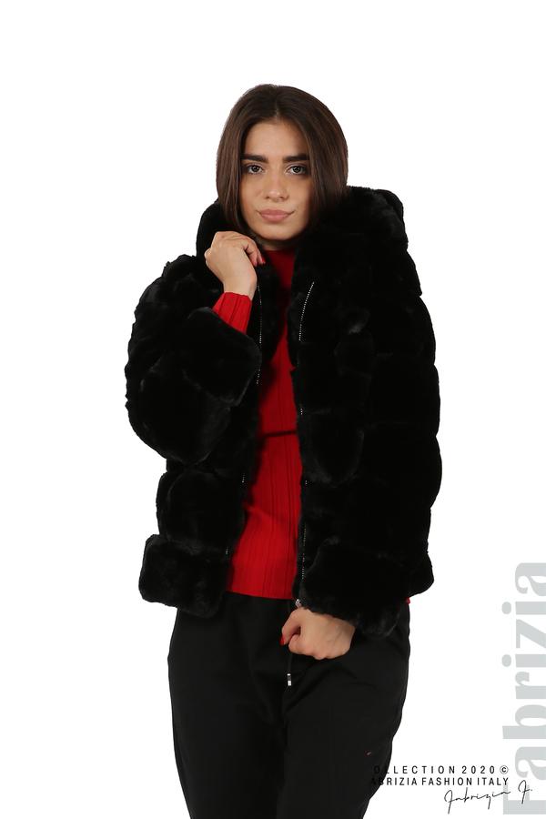 Късо палто от пух с качулка черен 1 fabrizia