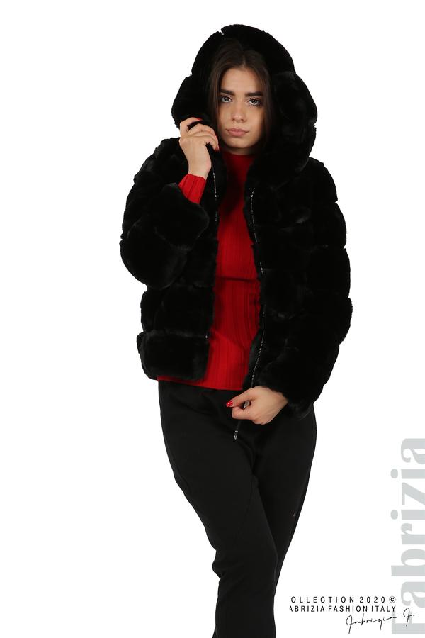 Късо палто от пух с качулка черен 3 fabrizia