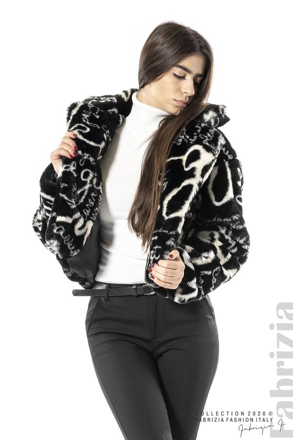 Късо палто с надписи черен 6 fabrizia
