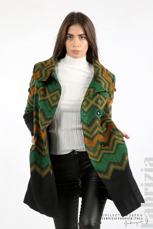 Вталено фигурално палто