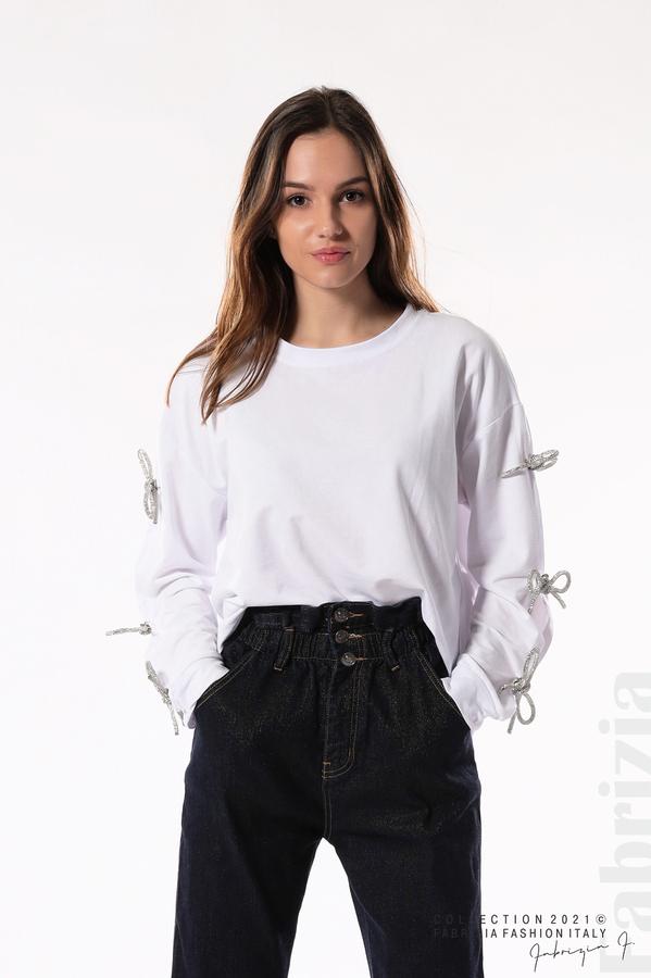 Блуза с брошки-панделки на ръкавите бял 1 fabrizia