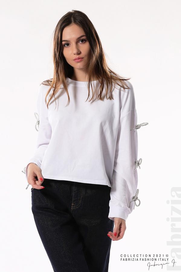 Блуза с брошки-панделки на ръкавите бял 6 fabrizia