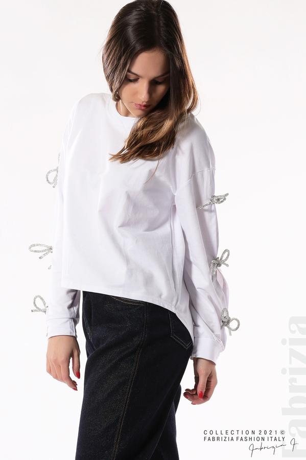 Блуза с брошки-панделки на ръкавите бял 4 fabrizia