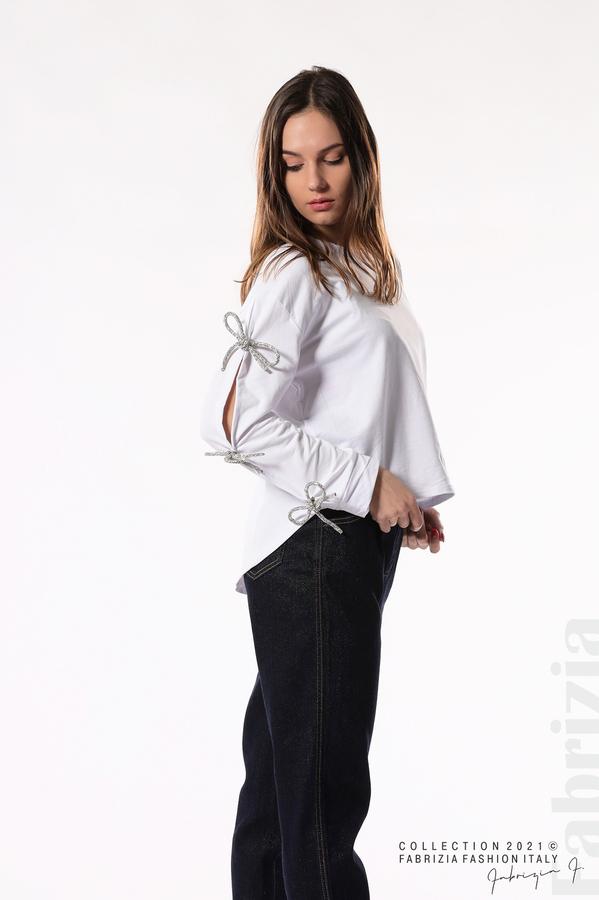 Блуза с брошки-панделки на ръкавите бял 3 fabrizia
