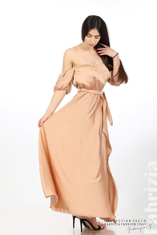 Сатенирана едноцветна рокля карамел 4 fabrizia