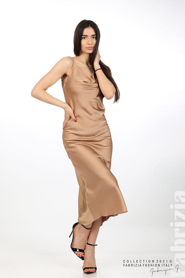 Сатенирана дълга рокля карамел 3 fabrizia