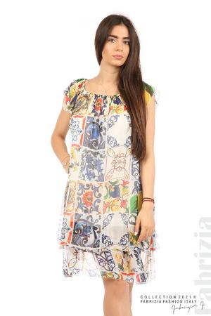 Фигурална рокля волан