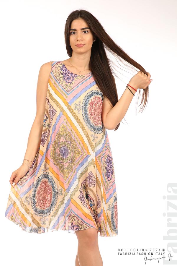 Многоцветна фигурална рокля солей бежов/розов 5 fabrizia