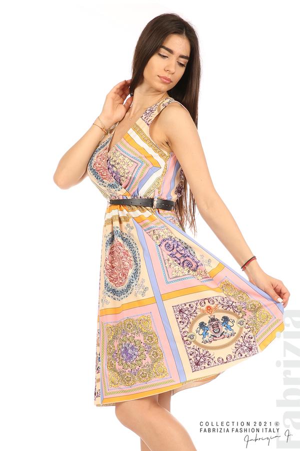 Фигурална многоцветна рокля с колан бежов/розов 3 fabrizia