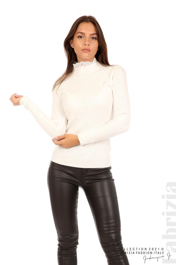 Рипсена блуза с дантела на бието бял 1 fabrizia