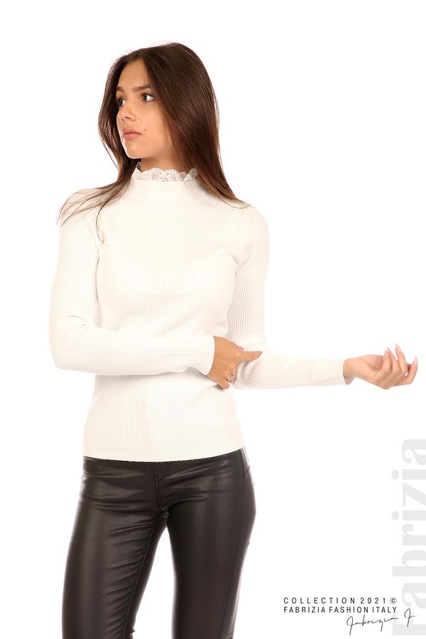 Рипсена блуза с дантела на бието бял 3 fabrizia