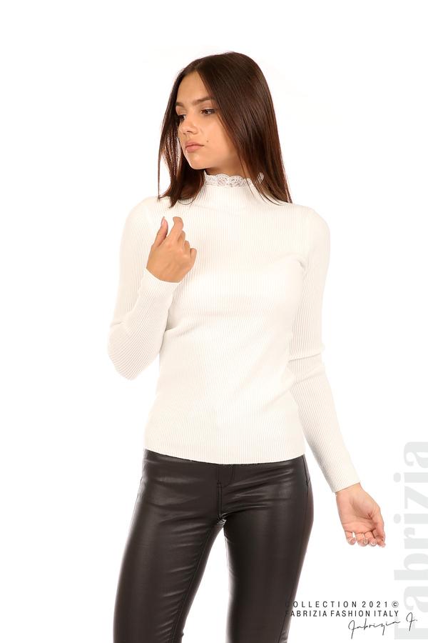 Рипсена блуза с дантела на бието бял 5 fabrizia