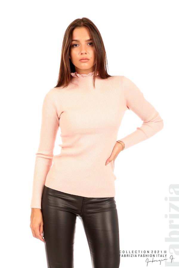 Рипсена блуза с дантела на бието розов 1 fabrizia