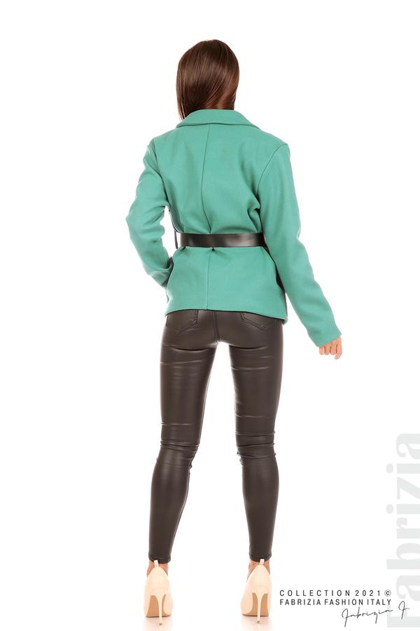 Късо едноцветно палто с колан аква 7 fabrizia