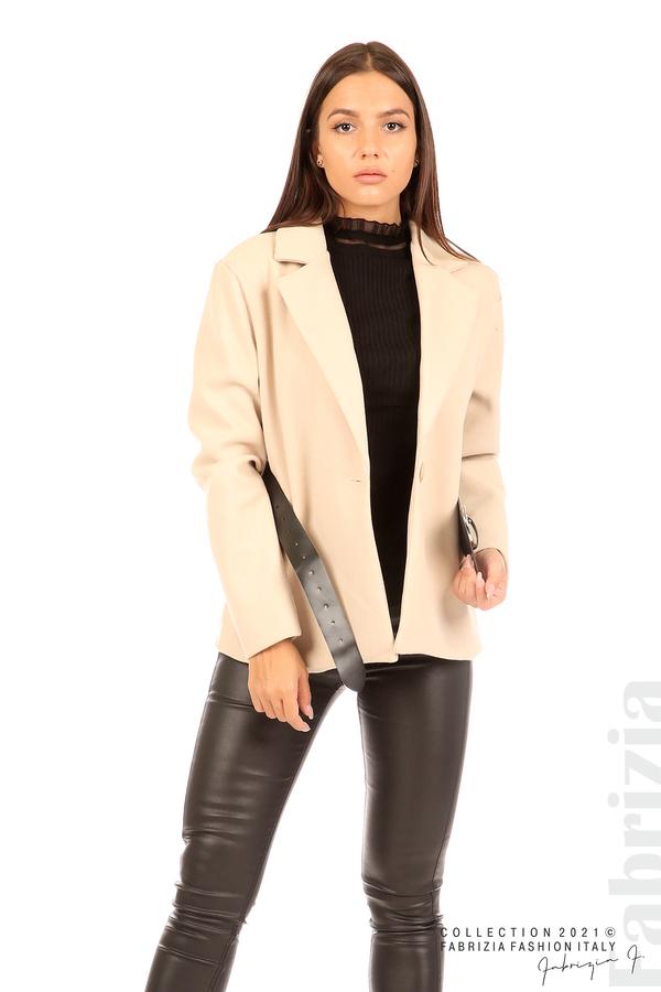Късо едноцветно палто с колан бежов 3 fabrizia