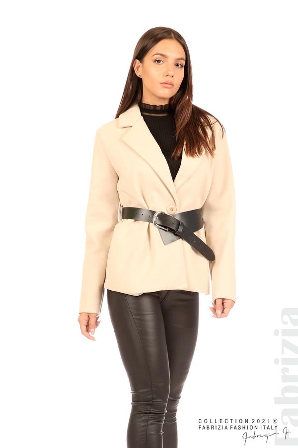 Късо едноцветно палто с колан бежов 4 fabrizia