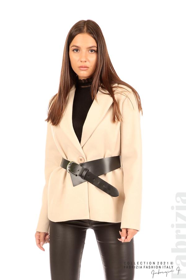 Късо едноцветно палто с колан бежов 1 fabrizia
