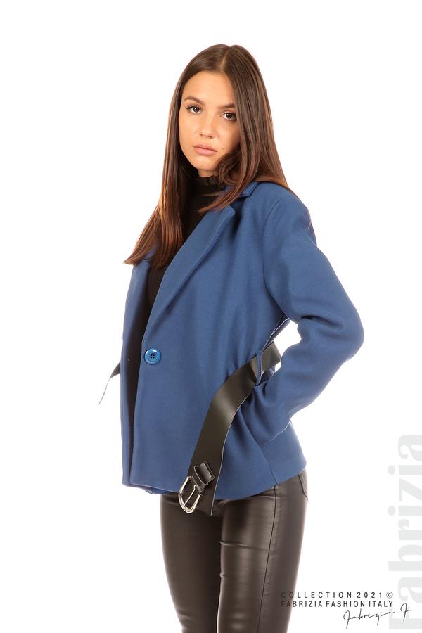 Късо едноцветно палто с колан т.син 1 fabrizia
