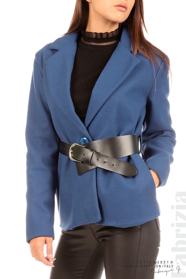 Късо едноцветно палто с колан т.син 2 fabrizia