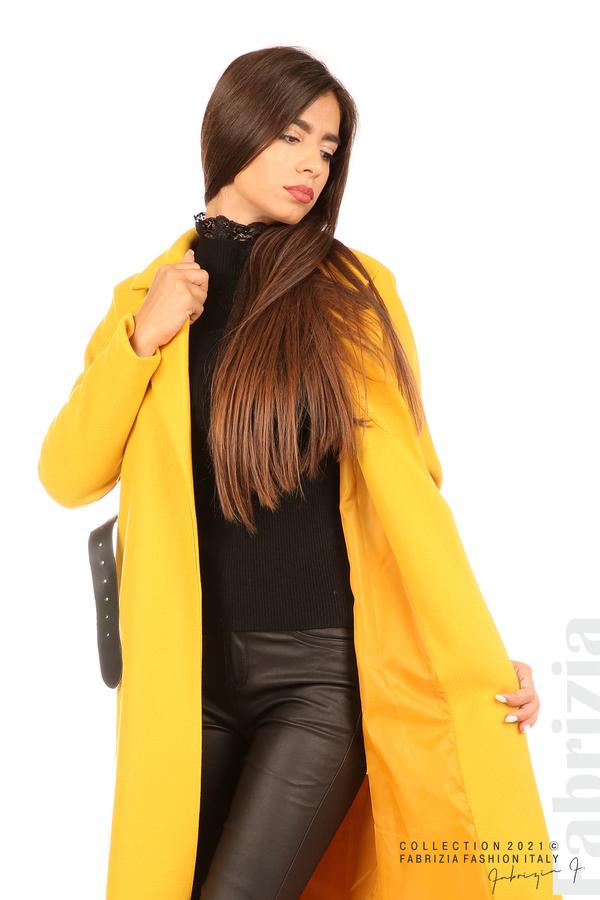 Дълго едноцветно палто с колан жълт 6 fabrizia