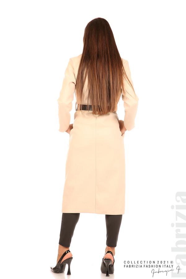 Дълго едноцветно палто с колан бежов 7 fabrizia