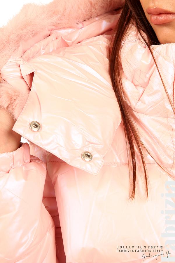 Лъскаво яке с мобилна качулка с кожена яка розов 3 fabrizia
