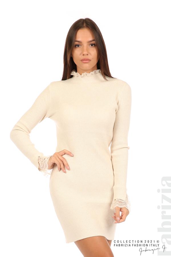 Къса рипсена рокля с дантела бежов 1 fabrizia