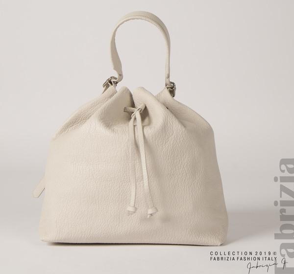 Дамска чанта тип мешка бежов1 fabrizia