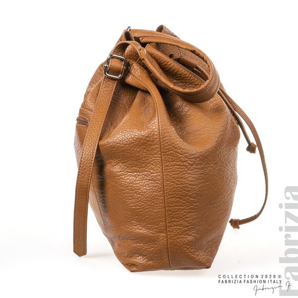 Дамска чанта тип мешка кафяв 1 fabrizia