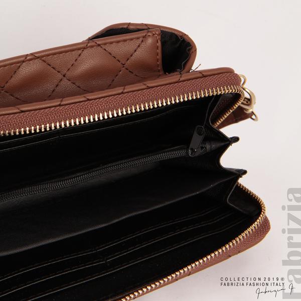 Дамско портмоне с дръжка и страничен джоб кафяв 4 fabrizia