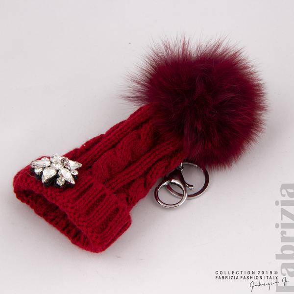 Ключодържател плетена шапка с помпон червен 2 fabrizia