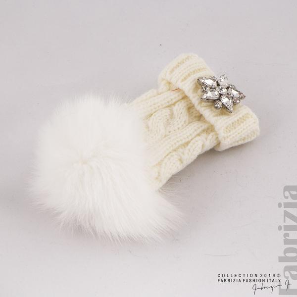 Ключодържател плетена шапка с помпон бял 2 fabrizia