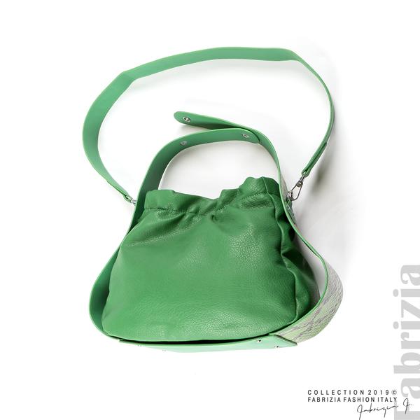 Чанта с животински принт на дръжката зелен 3 fabrizia