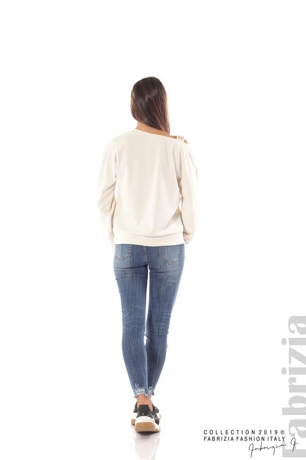 Блуза с паднало рамо екрю 6 fabrizia